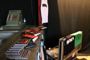 material do bando de teatro olodum, à venda antes do espetáculo - FIT - belo horizonte/MG